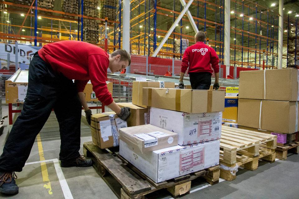 Крупный оператор экспресс-доставки DPD начнет выдавать заказы через сеть «220 вольт»