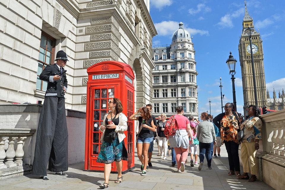 На сайте Travelzoo 24–27 июня число запросов американских туристов, которые хотят посетить Великобританию, увеличилось на треть