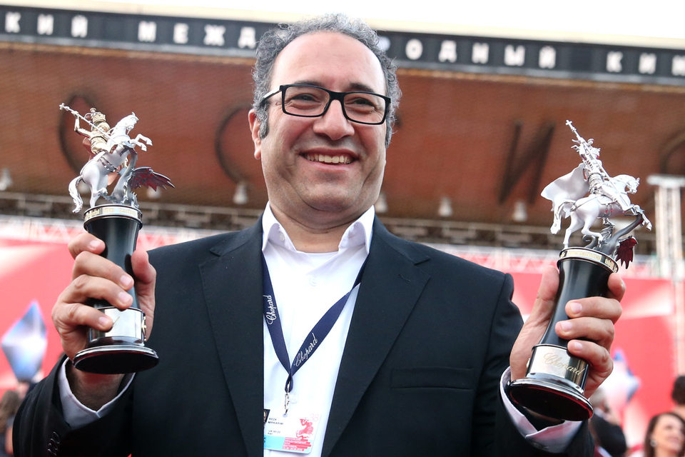 Кинофестиваль открывала лента «КЕ-ДЫ» режиссера Сергея Соловьева, получившего почетную награду за вклад в кинематограф