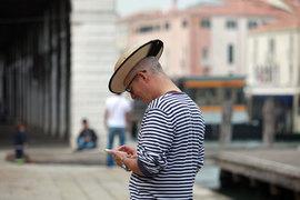 Выход на итальянский рынок ознаменует собой значительное расширение для Iliad – она известна как дискаунтер в сегменте мобильного интернета