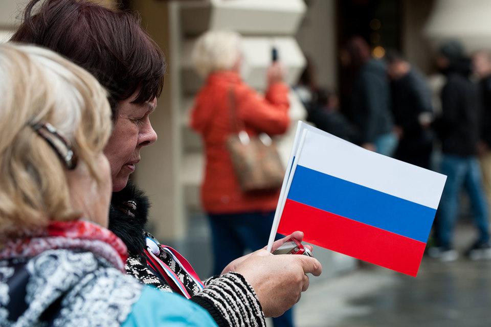 Из-за старения населения, ведущего к росту пенсионных расходов, рейтинг России может надолго застрять в спекулятивной зоне, предупредило агентство Standard & Poor's