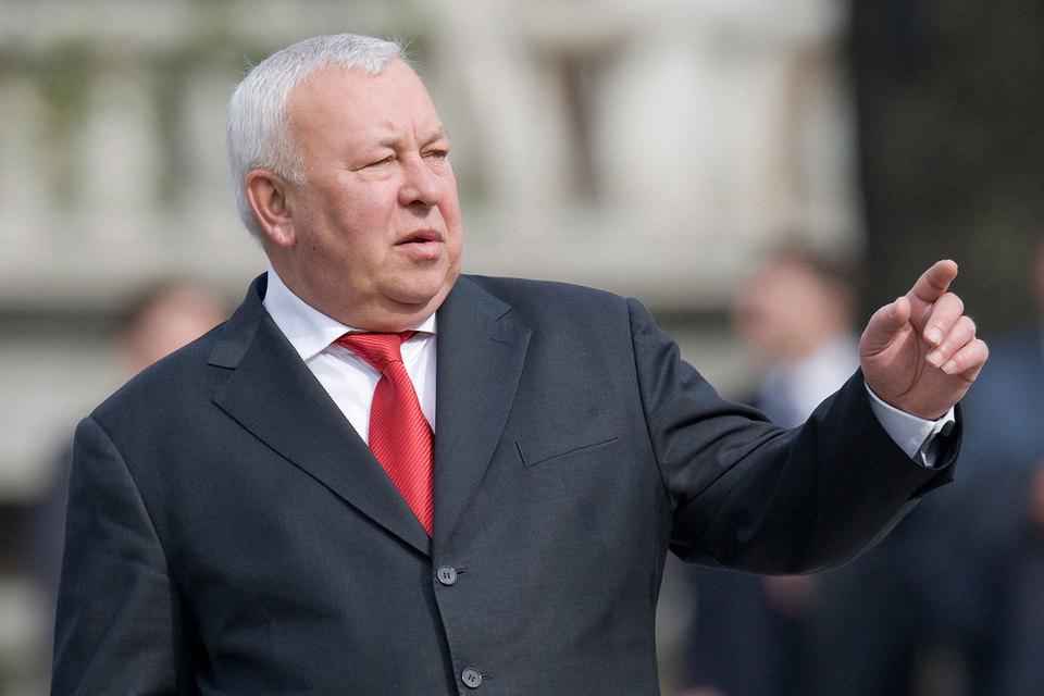 В списке кандидатов в совет Муров займет место первого зампреда ВЭБа Михаила Полубояринова