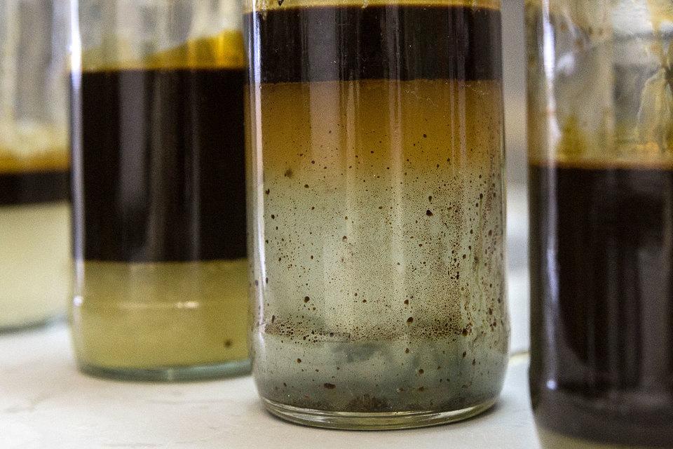 Содержание серы в эталонном сорте нефти не должно превышать 1,6%, но для этого потребуется выделение тяжелой нефти в отдельный поток