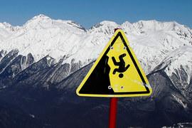 Fitch, S&P и Moody's понизили кредитные рейтинги десятков стран