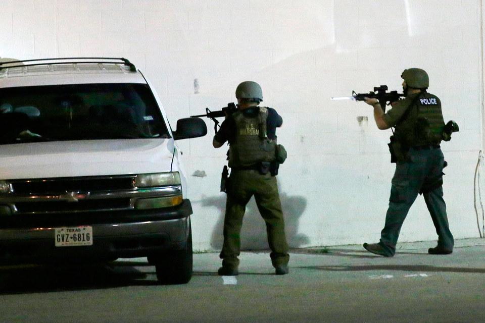 Убиты пять полицейских, ранены еще шестеро