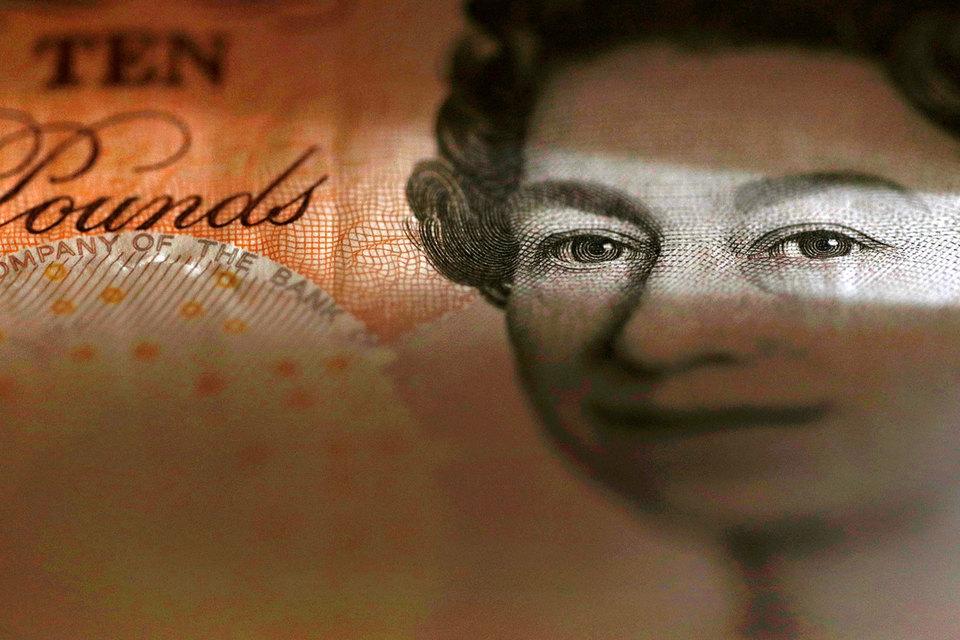 В этом году сильнее всего к доллару подешевел британский фунт