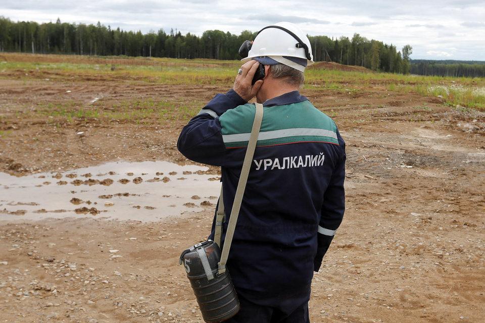 Новый акционер «Уралкалия» Дмитрий Лобяк мог бы расплачиваться за покупку 20% «Уралкалия» из дивидендов самой компании, допускает Fitch