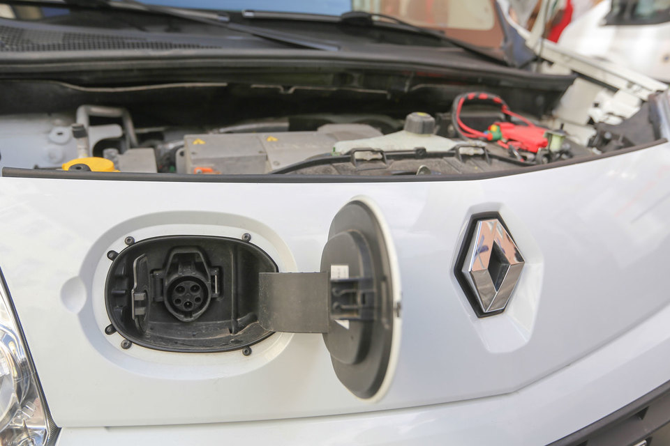 Пошлины на ввозимые в страны ЕАЭС легковые электромобили будут обнулены