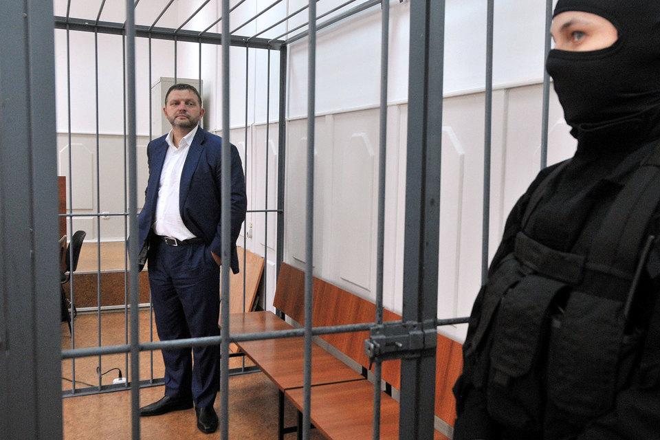 Никита Белых продолжает официально оставаться губернатором и под арестом