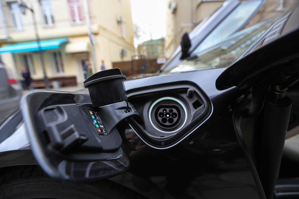 Пошлины на ввозимые в страны ЕАЭС легковые электромобили будут обнулены, а на легкие коммерческие – снижены втрое