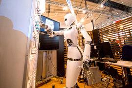 Настоящий робо-эдвайзер будет управлять портфелем сам, не беспокоя инвестора