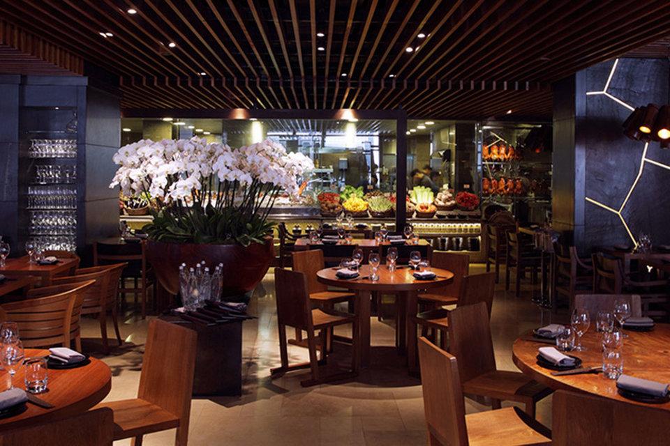 Это четвертый проект Novikov Group с концепцией Novikov Restaurant & Bar, на фото ресторан в Лондоне