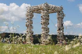 «Белые ворота» Николая Полисского – центр отмеченной его объектами территории