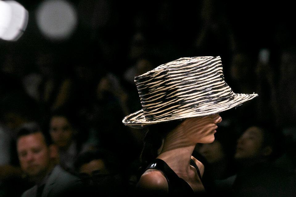 Donna Karan International владеет брендами женской одежды Donna Karan и DKNY, компания оценена в $650 млн