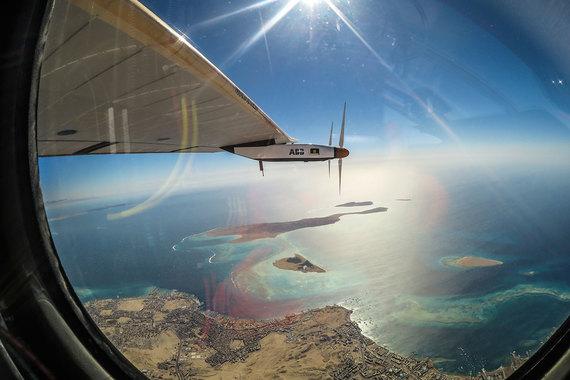 normal 1o7j Самолет на солнечных батареях Solar Impulse 2 завершил кругосветное путешествие