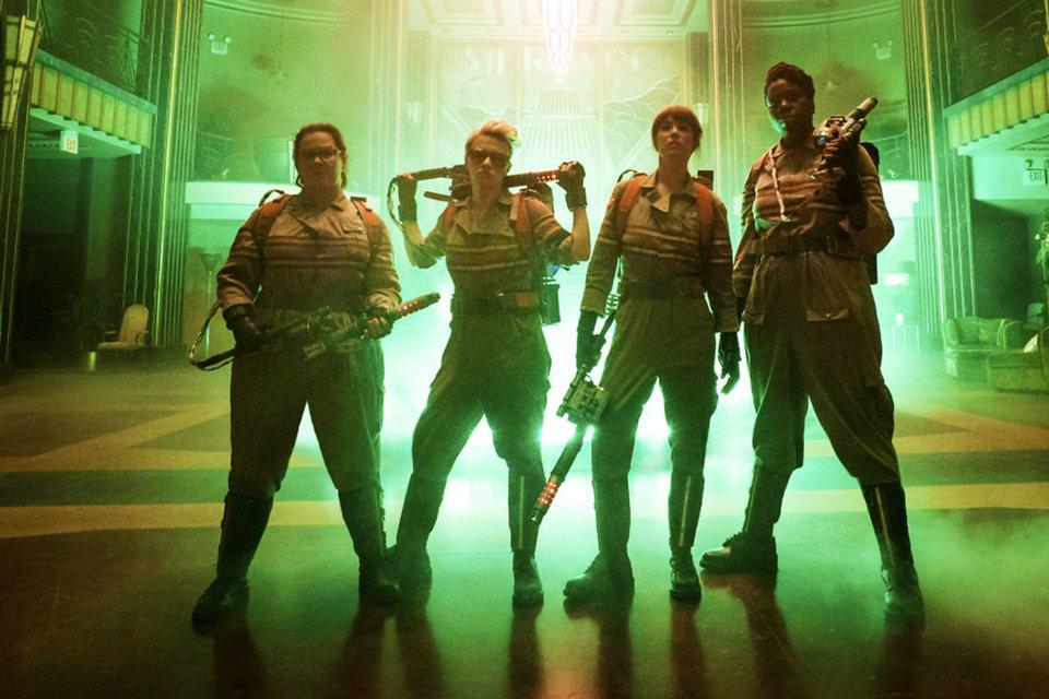 Команда в сборе (слева направо): Мелисса Маккарти, Кейт Маккиннон, Кристен Уиг и Лесли Джонс
