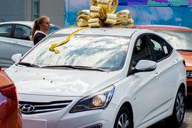 На складах у крупных автодилеров скопились запасы Hyundai Solaris на несколько месяцев