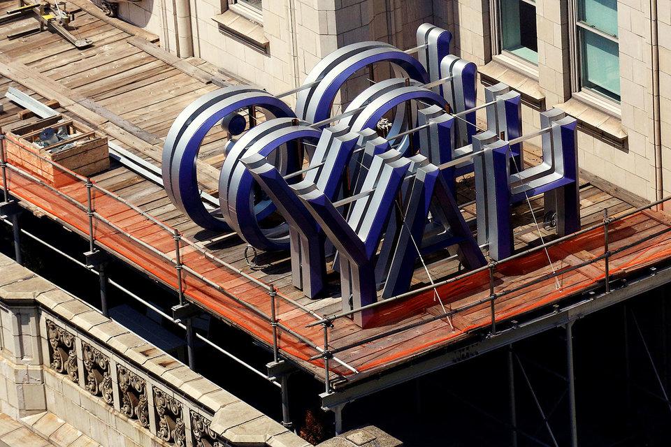 Продажа Yahoo компании Verizon ставит точку в истории медленного угасания одного из пионеров интернета