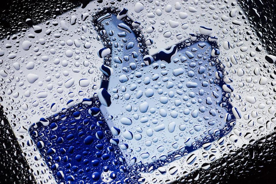 Facebook снова утроил прибыль