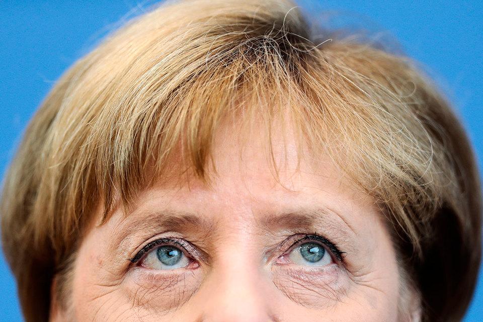 Меркель отказалась закрыть Германию для мигрантов