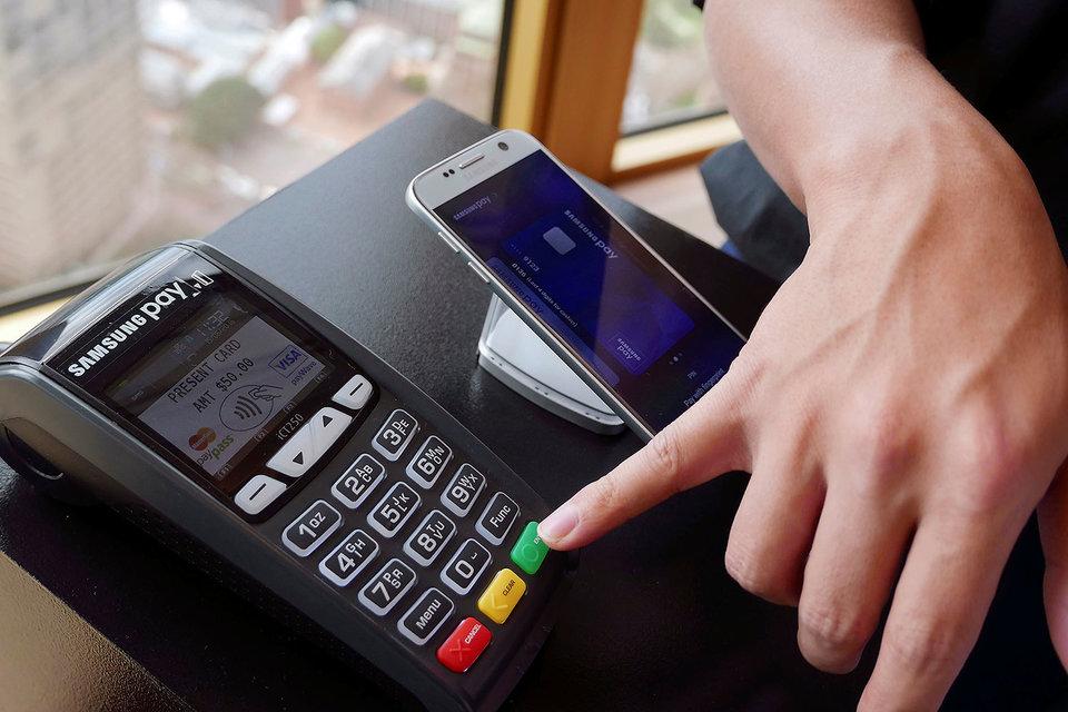 Уже в этом году в России заработает новая безопасная технология платежей при помощи смартфонов