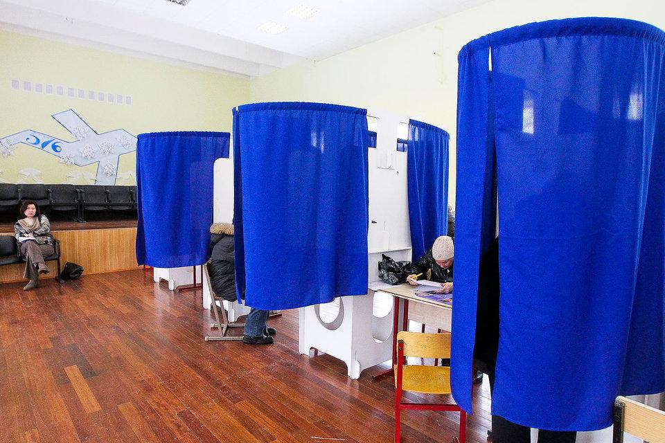 К концу августа Центризбирком должен получить список регионов, где есть угроза подрыва доверия к итогам думских выборов