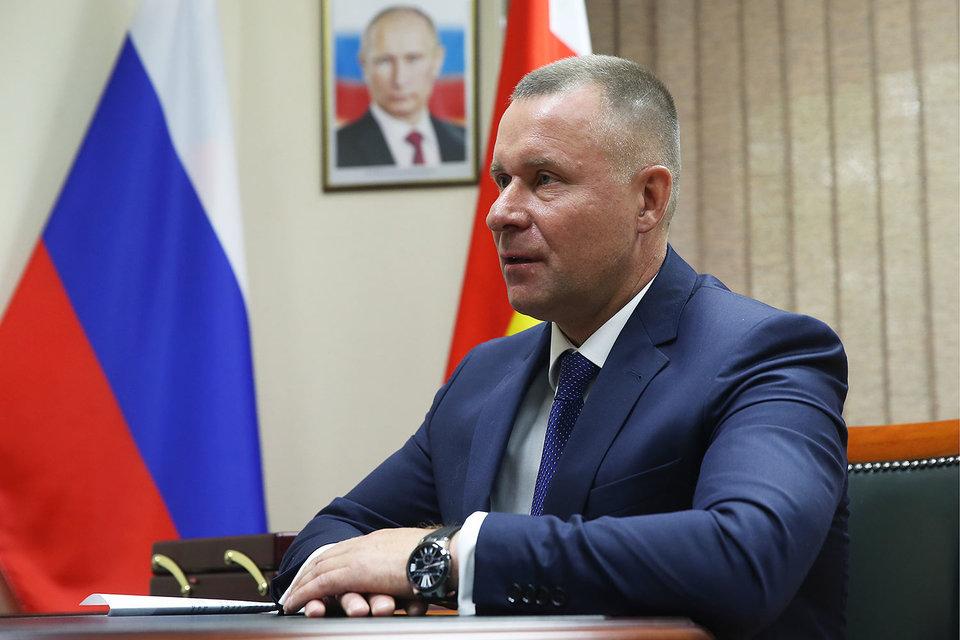 Евгений Зиничев стал уже третьим охранником Путина, назначенным в последнее время исполнять обязанности главы региона