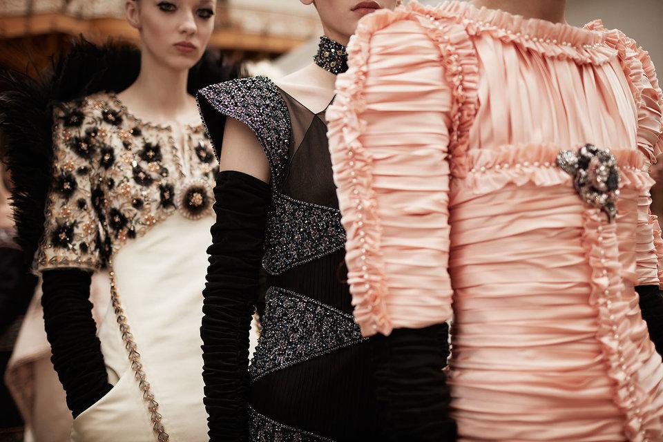 Продукцию лионских производителей шелка Chanel будет использовать для создания своих коллекций и для продажи