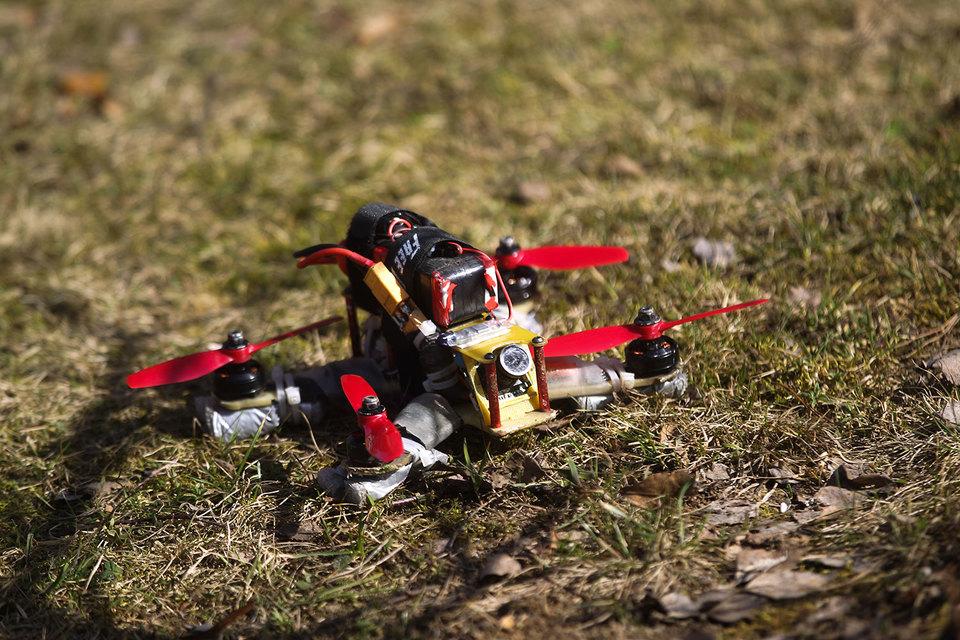 Один из партнеров в службе компьютерной безопасности Bishop Fox – Фрэнсис Браун отмечает, что из дронов можно соорудить своего рода летающий ноутбук