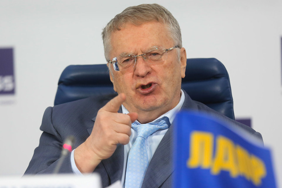 За два месяца до избрания новой Госдумы ЛДПР догнала по рейтингам КПРФ, выяснил «Левада-центр»