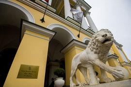Отель Four Seasons на Вознесенском проспекте в Петербурге – одна из жемчужин в портфеле фонда VIYM, управляющий партнер которого – сын экс-президента РЖД Андрей Якунин
