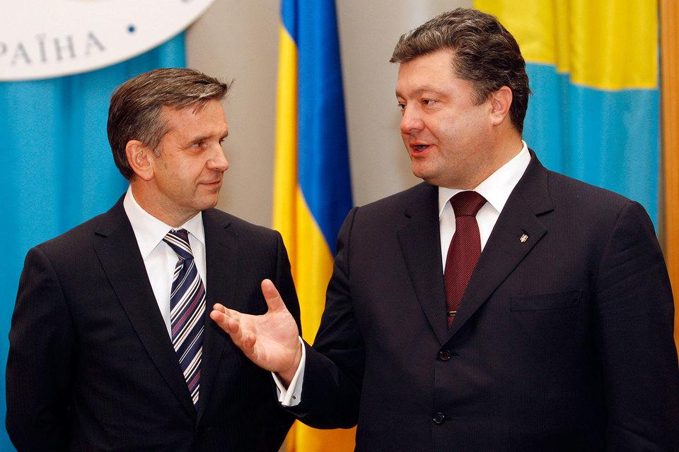Михаил Зурабов (слева) начал работу в Киеве, когда Петр Порошенко был еще министром иностранных дел