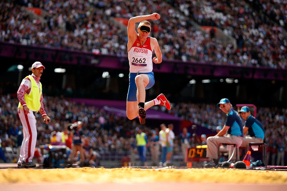Российский спортсмен Денис Гулин на Паралимпийских играх в Лондоне