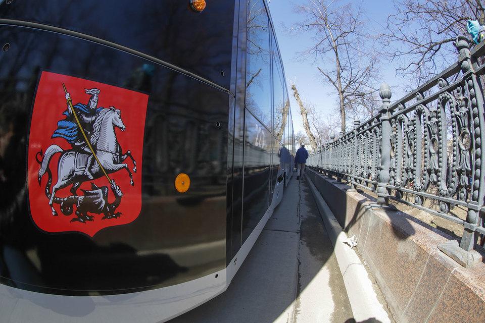 В парке «Мосгортранса» около 850 трамваев, включая 180 шт., закупленных в 2010–2015 гг., в этом году планируется приобретение еще 50, сказано на сайте предприятия