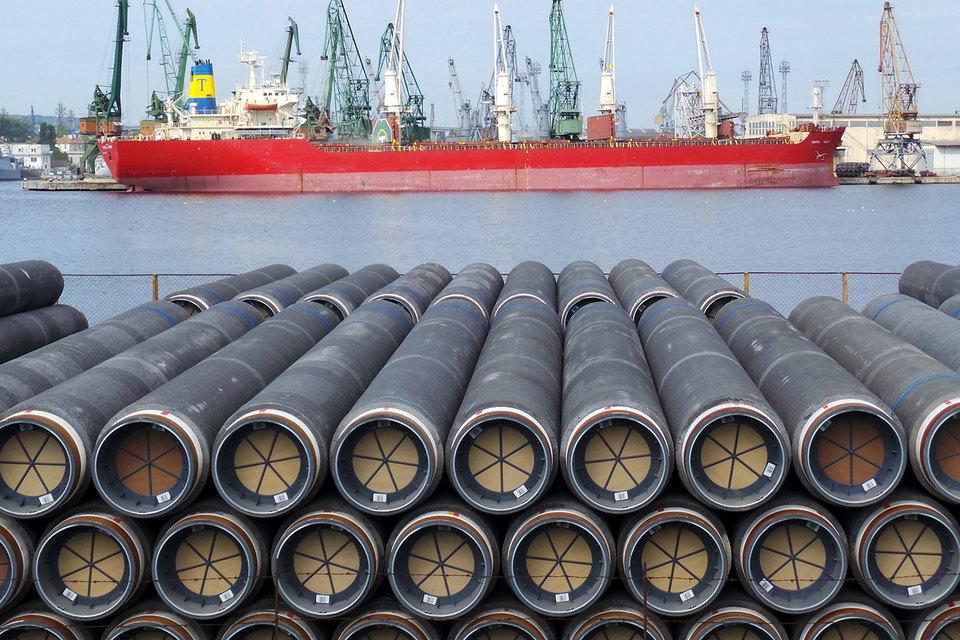 Трубы для строительства газопровода «Южный поток» в болгарском порту Варна