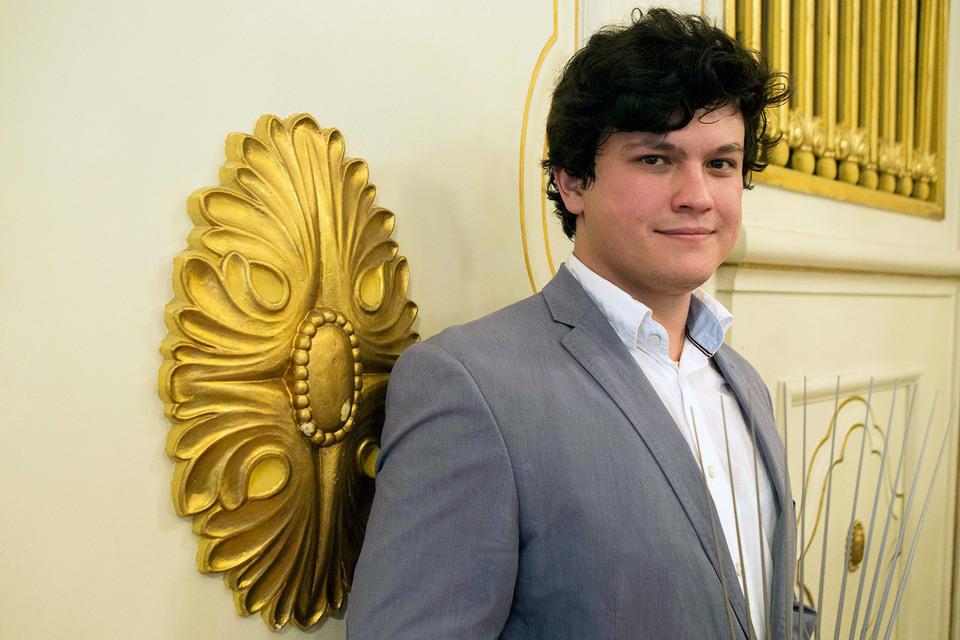 Узбекский маэстро признан в Зальцбурге лучшим дирижером