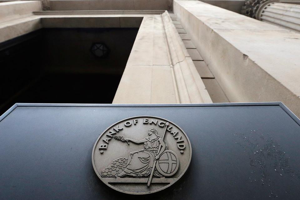 Банк Англии намерен в ближайшие полгода выкупить на рынке гособлигаций на 60 млрд фунтов ($78 млрд)
