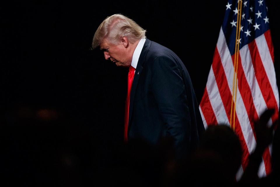 Против республиканского кандидата в президенты США Дональда Трампа выступила большая группа его однопартийцев