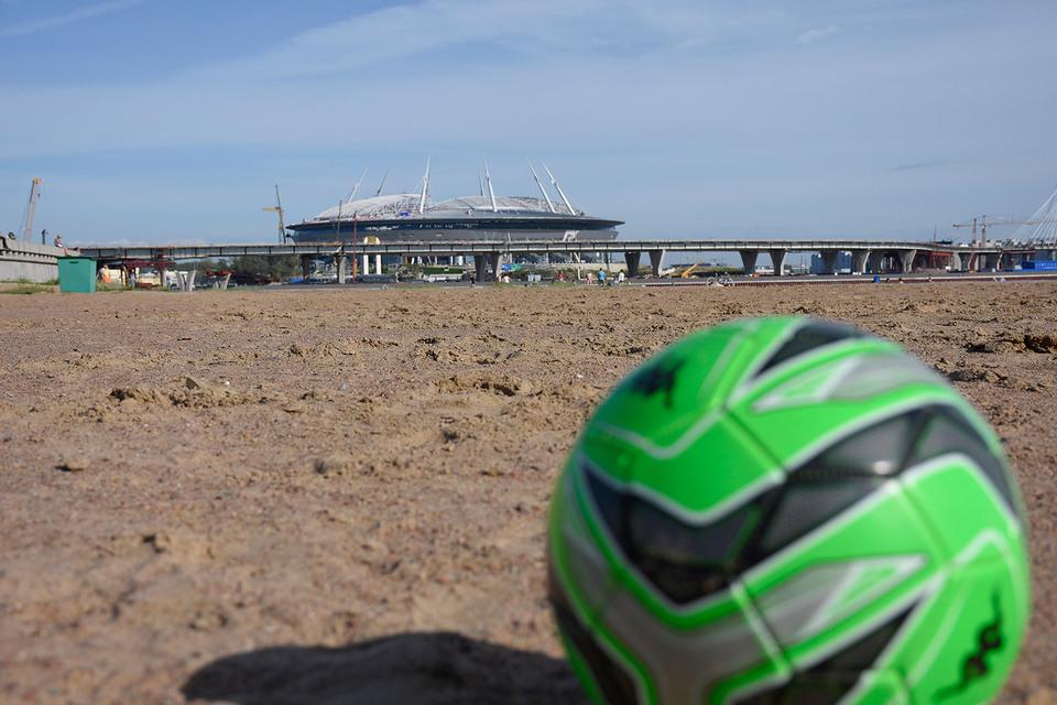 Стадион на Крестовском острове в Петербурге должен быть полностью готов до конца 2016 г.