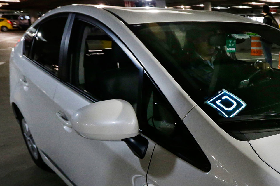 Uber расширяет сеть такси, кредитуя водителей для покупки машин