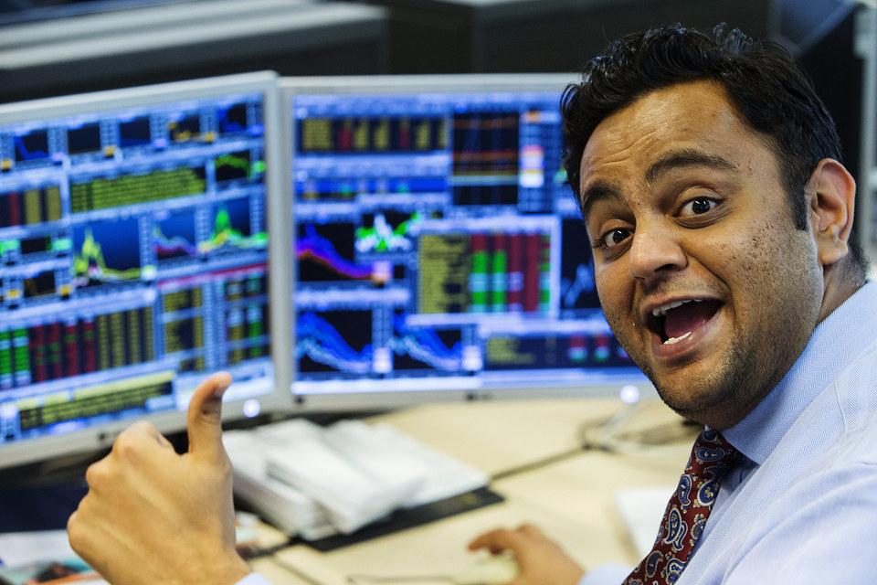 Все три ведущих американских фондовых индекса не достигали исторического максимума в один день с декабря 1999 г.
