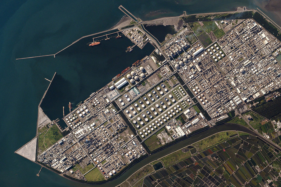 Кубсаты гораздо чаще обычных спутников отправляют снимки таких экономически важных точек, как парковки у розничных магазинов, нефтехранилища или фермерские участки
