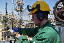 Новые программы MBA нескольких шотландских университетов помогают нефтяникам сделать карьеру в других отраслях