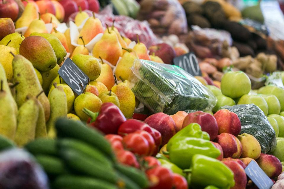Покупатели недостаточно часто приходят за свежим мясом, фруктами и овощами