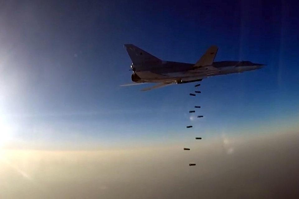Российская военная авиация начала использовать иранскую авиабазу для ударов по тылам боевиков в Сирии