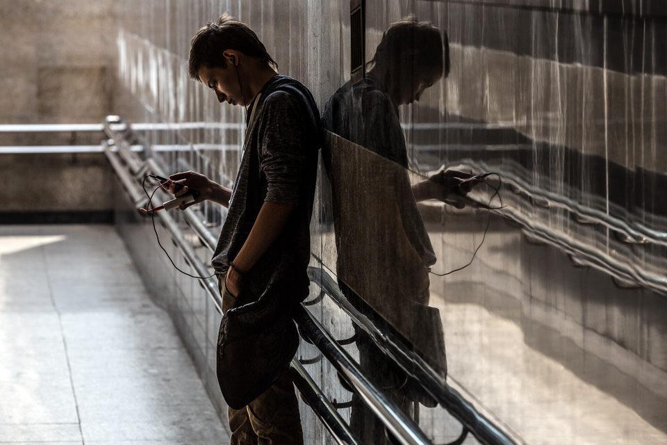 Российские абоненты скачивают через мобильные телефоны все больше данных