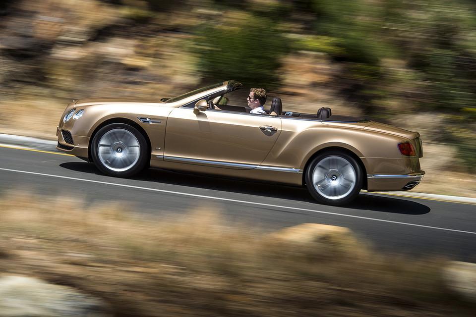 Кабриолет Bentley Continental GTC настолько хорош, что ездить и получать удовольствие от него можно каждый день, даже зимой
