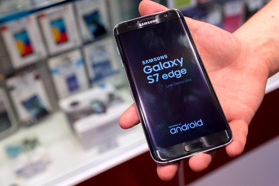 Galaxy s7 или s7 edge: Samsung увеличил долю мирового рынка смартфонов