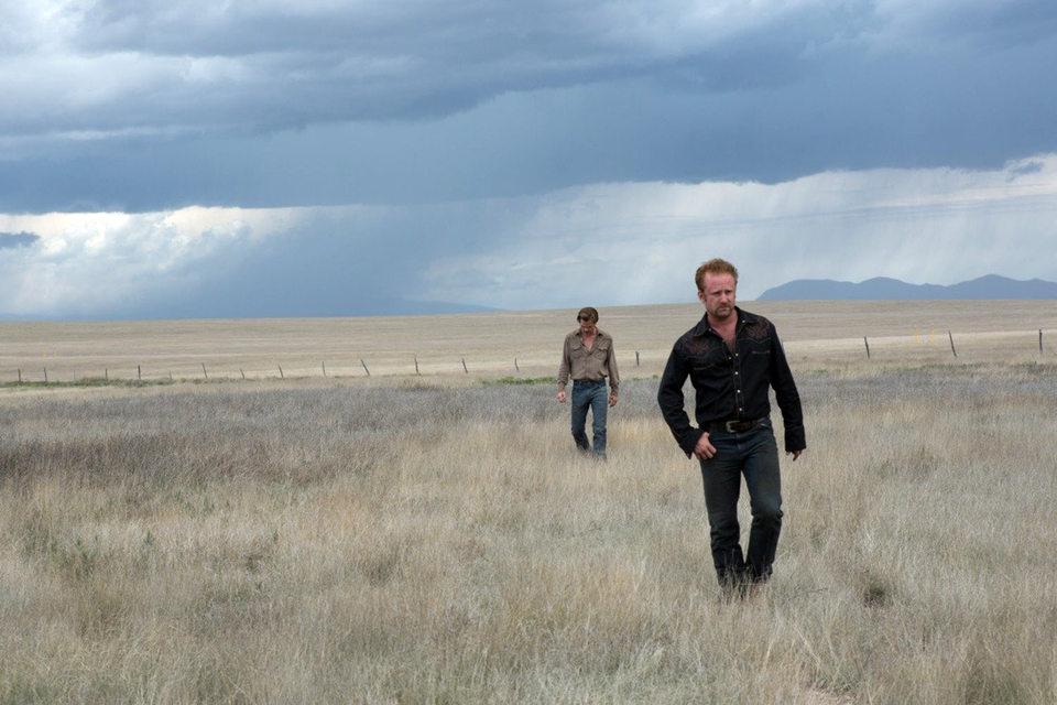 Кадры фильма идеально иллюстрируют английское выражение In the middle of nowhere
