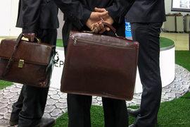 Миллионные доходы, дома, квартиры, магазины, яхты и доли в предприятиях – кандидаты в депутаты Госдумы отчитались не обо всей своей собственности
